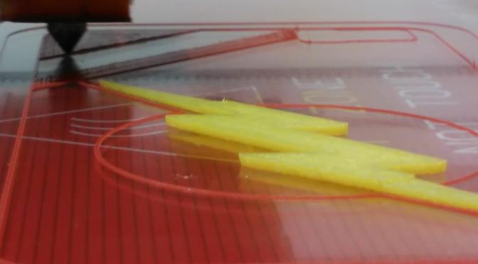 ¿Cómo imprimir en 3D con dos (o más) colores y un solo extrusor?